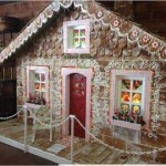 New-york-countryside-giant-chrstmas-gingerbread-house